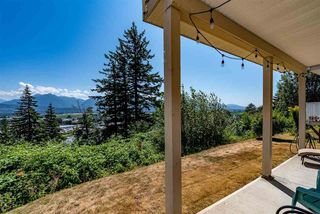 """Photo 35: 52 8590 SUNRISE Drive in Chilliwack: Chilliwack Mountain Townhouse for sale in """"MAPLE HILLS"""" : MLS®# R2484116"""