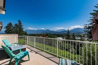 """Photo 19: 52 8590 SUNRISE Drive in Chilliwack: Chilliwack Mountain Townhouse for sale in """"MAPLE HILLS"""" : MLS®# R2484116"""