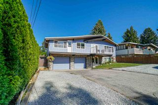 Photo 1: 18165 58 Avenue in Surrey: Cloverdale BC House for sale (Cloverdale)  : MLS®# R2498386