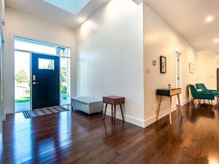 Photo 4: 45962 GURNEY Road: Cultus Lake House for sale : MLS®# R2506781