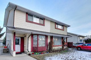 Photo 2: 51 Fonda Hill SE in Calgary: Forest Heights Semi Detached for sale : MLS®# A1056014