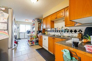 "Photo 18: 6644 CANADA Way in Burnaby: Burnaby Lake House for sale in ""Burnaby Lake"" (Burnaby South)  : MLS®# R2527595"
