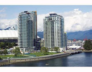 "Photo 32: 502 8 SMITHE MEWS in Vancouver: False Creek North Condo for sale in ""FLAGSHIP"" (Vancouver West)  : MLS®# V797838"