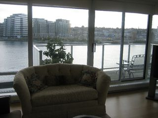 "Photo 13: 502 8 SMITHE MEWS in Vancouver: False Creek North Condo for sale in ""FLAGSHIP"" (Vancouver West)  : MLS®# V797838"
