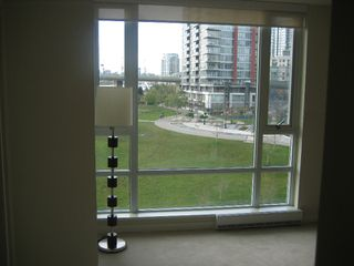 "Photo 18: 502 8 SMITHE MEWS in Vancouver: False Creek North Condo for sale in ""FLAGSHIP"" (Vancouver West)  : MLS®# V797838"