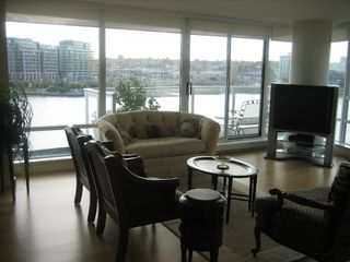 "Photo 10: 502 8 SMITHE MEWS in Vancouver: False Creek North Condo for sale in ""FLAGSHIP"" (Vancouver West)  : MLS®# V797838"