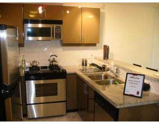 Photo 3: 2203 1328 W PENDER ST in Vancouver: Coal Harbour Condo for sale (Vancouver West)  : MLS®# V559668