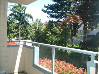 "Photo 10: 107 8700 WESTMINSTER Highway in Richmond: Brighouse Condo for sale in ""CANAAN COURT"" : MLS®# V824323"