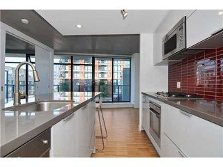 "Photo 1: 1208 108 W CORDOVA Street in Vancouver: Downtown VW Condo for sale in ""WOODWARDS"" (Vancouver West)  : MLS®# V864082"