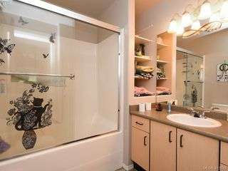 Photo 6: 1 3149 Jackson Street in VICTORIA: Vi Mayfair Half Duplex for sale (Victoria)  : MLS®# 413610
