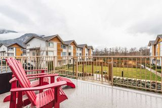 "Photo 18: 53 1188 WILSON Crescent in Squamish: Dentville Townhouse for sale in ""THE CURRENT"" : MLS®# R2436972"