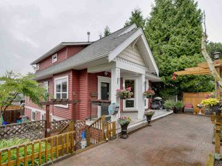 Photo 1: 8953 ARMSTRONG AVENUE in Burnaby: The Crest House for sale (Burnaby East)  : MLS®# R2465249