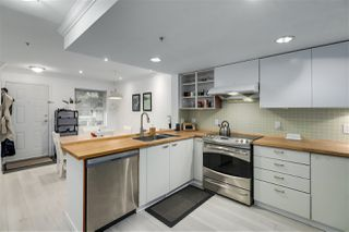 """Photo 13: 27 188 SIXTH Street in New Westminster: Uptown NW Townhouse for sale in """"Royal Terrace"""" : MLS®# R2511943"""