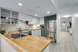 """Photo 11: 27 188 SIXTH Street in New Westminster: Uptown NW Townhouse for sale in """"Royal Terrace"""" : MLS®# R2511943"""