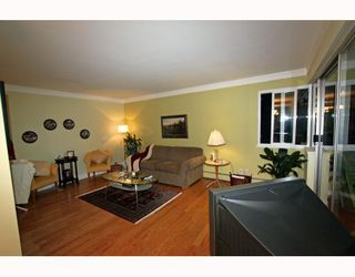 Photo 5: 404 1750 ESQUIMALT Avenue in West Vancouver: Ambleside Condo for sale : MLS®# V798842