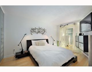 "Photo 5: B104 1331 HOMER Street in Vancouver: Downtown VW Condo for sale in ""PACIFIC POINT"" (Vancouver West)  : MLS®# V802333"