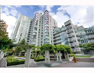 "Photo 7: B104 1331 HOMER Street in Vancouver: Downtown VW Condo for sale in ""PACIFIC POINT"" (Vancouver West)  : MLS®# V802333"