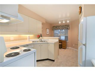 Photo 3: 14 650 ROCHE POINT Drive in North Vancouver: Roche Point Townhouse for sale : MLS®# V863211