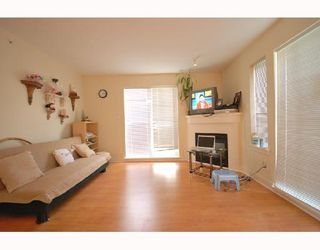 Photo 2: 70 9339 ALBERTA Road in Richmond: McLennan North Townhouse for sale : MLS®# V722770