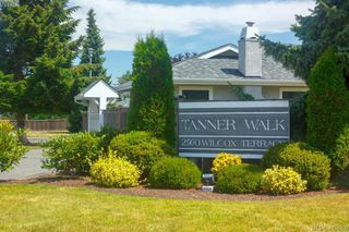Main Photo: 37 2560 Wilcox Terrace in VICTORIA: CS Tanner Row/Townhouse for sale (Central Saanich)  : MLS®# 413657