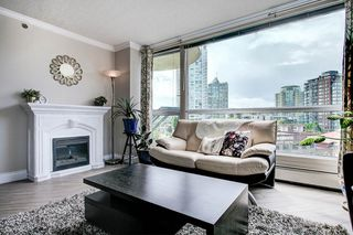"Photo 3: 603 283 DAVIE Street in Vancouver: Yaletown Condo for sale in ""Pacific Plaza"" (Vancouver West)  : MLS®# R2393051"