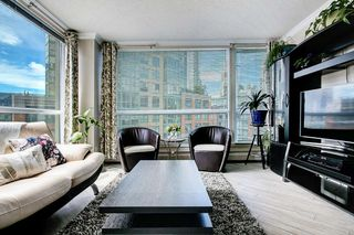 "Photo 4: 603 283 DAVIE Street in Vancouver: Yaletown Condo for sale in ""Pacific Plaza"" (Vancouver West)  : MLS®# R2393051"