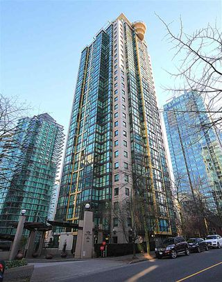 "Photo 2: 705 1331 ALBERNI Street in Vancouver: West End VW Condo for sale in ""The Lions"" (Vancouver West)  : MLS®# R2414176"