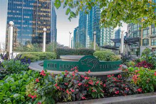 "Photo 17: 705 1331 ALBERNI Street in Vancouver: West End VW Condo for sale in ""The Lions"" (Vancouver West)  : MLS®# R2414176"