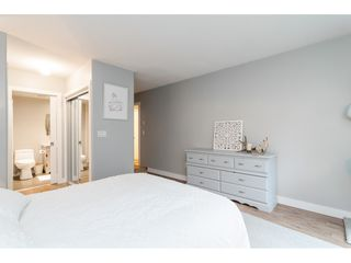 """Photo 12: 104 15941 MARINE Drive: White Rock Condo for sale in """"Heritage"""" (South Surrey White Rock)  : MLS®# R2417090"""