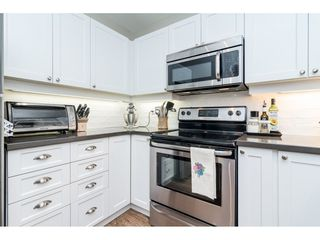 """Photo 2: 104 15941 MARINE Drive: White Rock Condo for sale in """"Heritage"""" (South Surrey White Rock)  : MLS®# R2417090"""