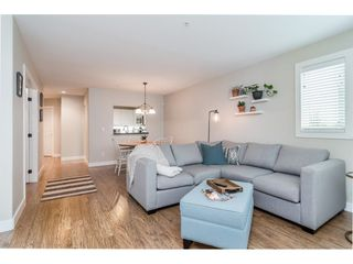 """Photo 9: 104 15941 MARINE Drive: White Rock Condo for sale in """"Heritage"""" (South Surrey White Rock)  : MLS®# R2417090"""