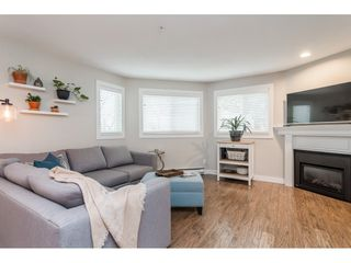 """Photo 7: 104 15941 MARINE Drive: White Rock Condo for sale in """"Heritage"""" (South Surrey White Rock)  : MLS®# R2417090"""