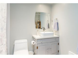 """Photo 14: 104 15941 MARINE Drive: White Rock Condo for sale in """"Heritage"""" (South Surrey White Rock)  : MLS®# R2417090"""