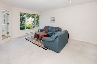 Photo 3: 213 5735 HAMPTON PLACE in Vancouver: University VW Condo for sale (Vancouver West)  : MLS®# R2421216
