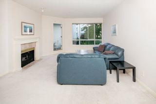 Photo 5: 213 5735 HAMPTON PLACE in Vancouver: University VW Condo for sale (Vancouver West)  : MLS®# R2421216