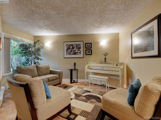 Photo 2: 106 2721 Jacklin Road in VICTORIA: La Langford Proper Row/Townhouse for sale (Langford)  : MLS®# 421045