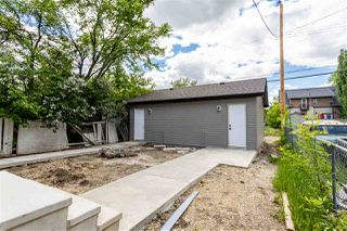 Photo 3: 11252 93 Street in Edmonton: Zone 05 Duplex Front and Back for sale : MLS®# E4208944