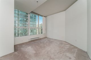 """Photo 11: 2307 555 JERVIS Street in Vancouver: Coal Harbour Condo for sale in """"Harbourside Park"""" (Vancouver West)  : MLS®# R2489146"""