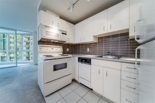 """Photo 6: 2307 555 JERVIS Street in Vancouver: Coal Harbour Condo for sale in """"Harbourside Park"""" (Vancouver West)  : MLS®# R2489146"""
