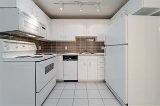"""Photo 5: 2307 555 JERVIS Street in Vancouver: Coal Harbour Condo for sale in """"Harbourside Park"""" (Vancouver West)  : MLS®# R2489146"""