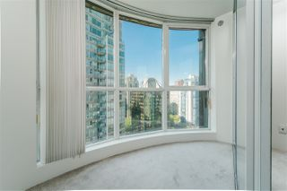 """Photo 10: 2307 555 JERVIS Street in Vancouver: Coal Harbour Condo for sale in """"Harbourside Park"""" (Vancouver West)  : MLS®# R2489146"""