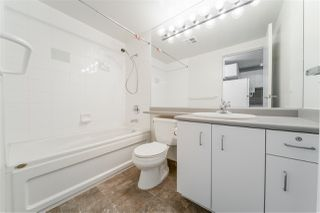 """Photo 13: 2307 555 JERVIS Street in Vancouver: Coal Harbour Condo for sale in """"Harbourside Park"""" (Vancouver West)  : MLS®# R2489146"""