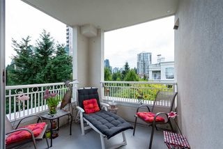 "Photo 10: 422 3098 GUILDFORD Way in Coquitlam: North Coquitlam Condo for sale in ""Marlborough House"" : MLS®# R2490203"