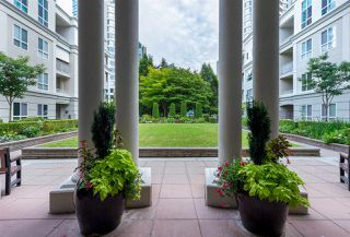 "Photo 20: 422 3098 GUILDFORD Way in Coquitlam: North Coquitlam Condo for sale in ""Marlborough House"" : MLS®# R2490203"