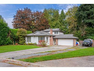 Photo 3: 4976 198 Street in Langley: Langley City House for sale : MLS®# R2506557