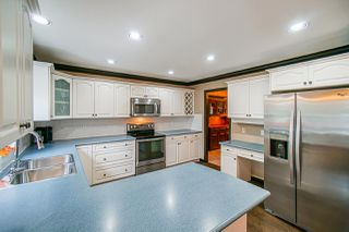 """Photo 11: 6162 171A Street in Surrey: Cloverdale BC House for sale in """"West Cloverdale"""" (Cloverdale)  : MLS®# R2508370"""