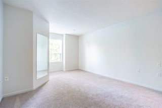 Photo 11: 101 15290 18 AVENUE in Surrey: King George Corridor Condo for sale (South Surrey White Rock)  : MLS®# R2462132