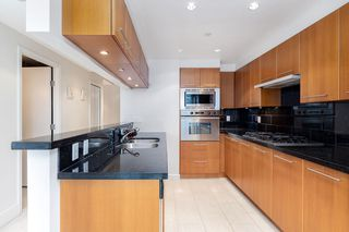 """Photo 17: 1103 323 JERVIS Street in Vancouver: Coal Harbour Condo for sale in """"Escala"""" (Vancouver West)  : MLS®# R2527728"""