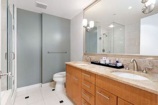 """Photo 30: 1103 323 JERVIS Street in Vancouver: Coal Harbour Condo for sale in """"Escala"""" (Vancouver West)  : MLS®# R2527728"""