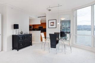 """Photo 13: 1103 323 JERVIS Street in Vancouver: Coal Harbour Condo for sale in """"Escala"""" (Vancouver West)  : MLS®# R2527728"""